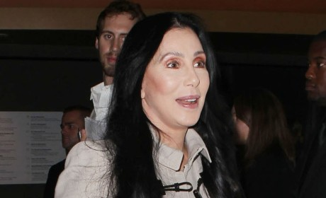 Cher-Donald Trump Feud: Stars Trade Bitter Barbs Over Awesome Macy's Petition