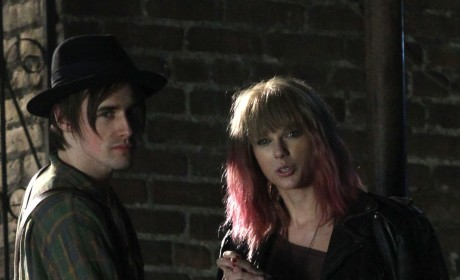 Taylor Swift Music Video Stills: Pink and Punk!