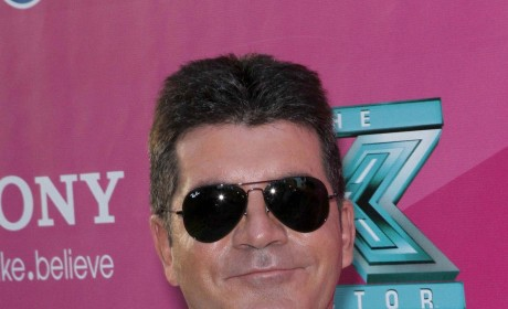 "Simon Cowell Responds to Martin Gore, Labels Singer ""Stupid"" for Gun Remarks"