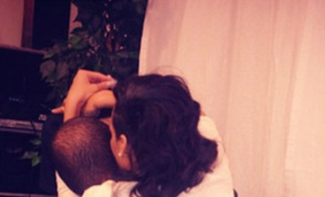 Rihanna Hugs Chris Brown in New Photo, Instagram Community Loses Mind