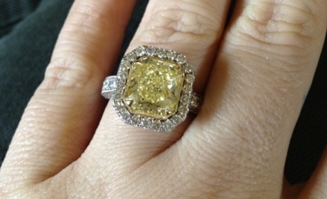 Kelly Clarkson Engagement Ring: Yellow! Massive!