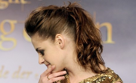 Kristen Stewart: So Effin' Excited for Snow White Sequel!