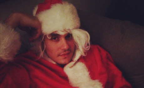 Bad Santa: John Mayer Photo Tweeted By Katy Perry