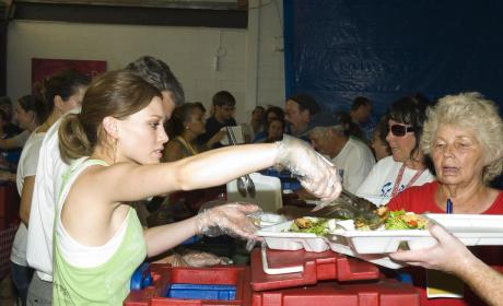 Hilary Duff Pitches in For Katrina Relief