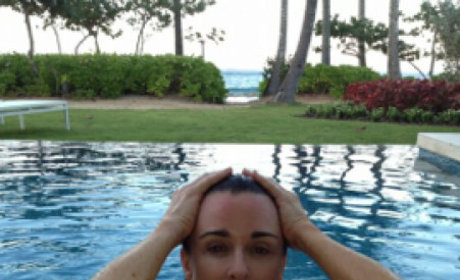 Kyle Richards: Topless on Twitter!