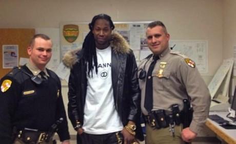 2 Chainz Arrested on Drug Possession Charges, Poses with Police