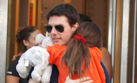 Tom Cruise Lawsuit: Publisher Demands to Know Suri's Mental and Emotional State