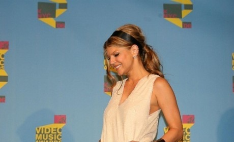New 'Do for Jessica; Rockin Outfits for Fergie, Shakira at Video Music Awards