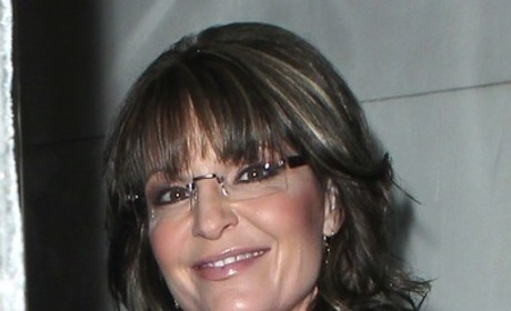Sarah Palin: Still in Talks to Join The View, May Be Forced to Read a Newspaper