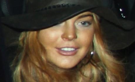 Lindsay Lohan Skips Flight to L.A., is Not Smart