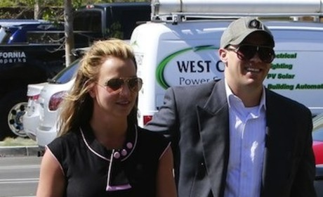 Britney Spears and David Lucado: Holding Hands! So Happy!