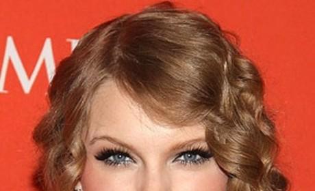 Celebrity Hair Affair: Taylor Swift