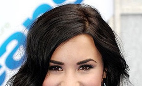 Celebrity Hair Affair: Demi Lovato