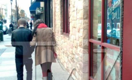 Justin Bieber & Selena Gomez: Holding Hands in IHOP!!!