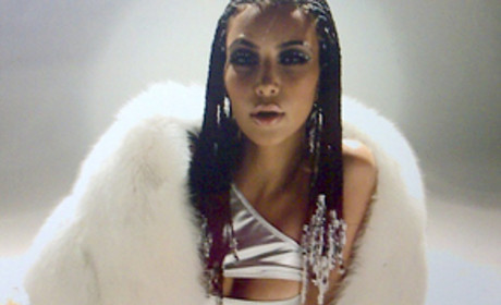 Kim Kardashian Music Video: First, Terrible Look
