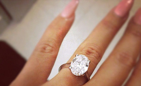 Amber Rose and Wiz Khalifa: Engaged! See the Ring!