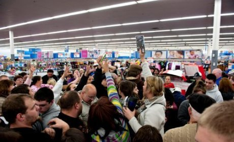 Walmart Black Friday: Picket Lines and Sales Galore!