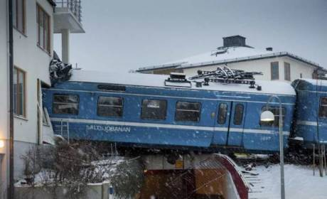 Woman Steals Train, Crashes Into Building in Sweden