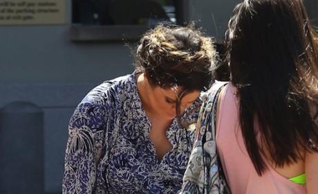 Khloe Kardashian Wardrobe Malfuction: Saved by Spanx!