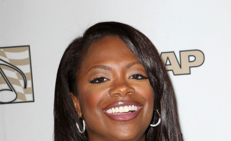 Kandi Burruss Tour Demands: Popeye's, Toilet Seats, and Police Escorts!