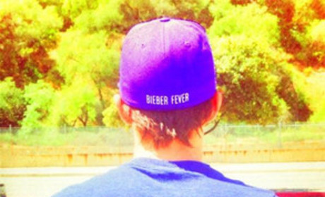 Drake Bell Posts Twit Pic, Claims to Have Bieber Fever