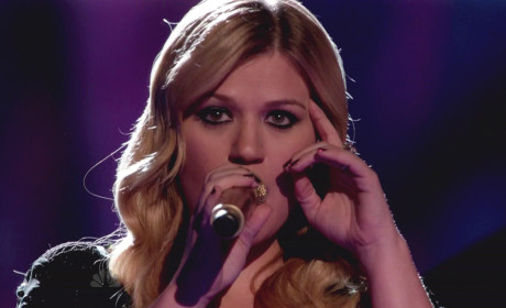 Happy 31st Birthday, Kelly Clarkson!