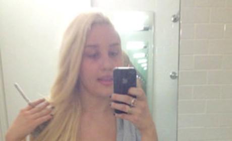 Amanda Bynes Tweets From Hospital: I Love Drake!