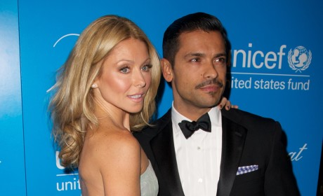 Kelly Ripa and Mark Consuelos Celebrate 17th Wedding Anniversary!