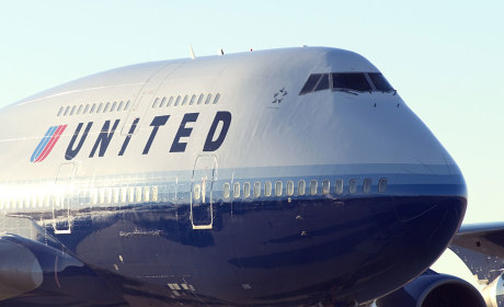 Woman Sues United Airlines for Allowing Passenger to Masturbate on Flight