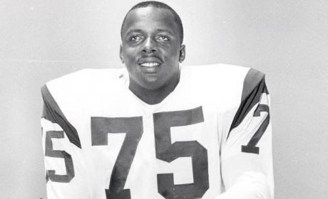 Deacon Jones Dies, Former NFL Great was 74
