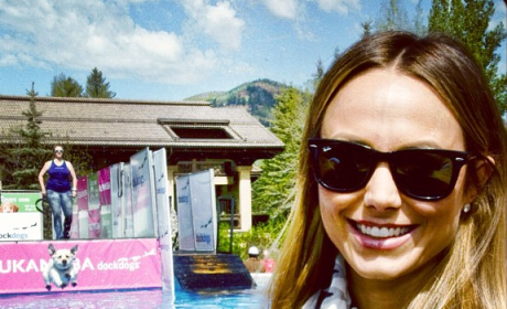Stacy Keibler: Photobombed by Puppy!