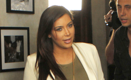 Kim Kardashian: Spotted at Los Angeles Medical Center!