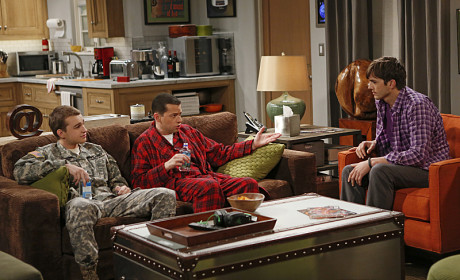Two and a Half Men to Debut Lesbian Character on Season 11 Premiere