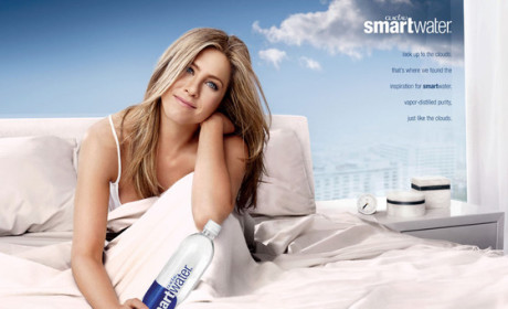 Jennifer Aniston SmartWater Ad: Now in Color!