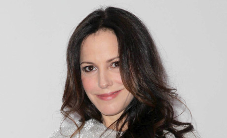 "Mary-Louise Parker May Quit Acting Over ""Mean-Spirited"" Internet Users"