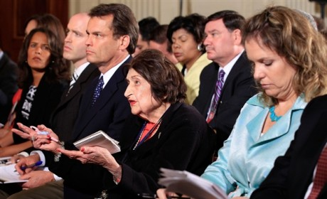 Helen Thomas Dies; White House Journalist Was 92