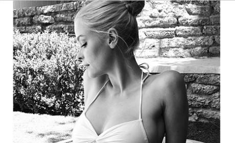 Jaime King Rocks Bikini, Shows Off Baby Bump