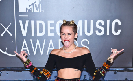 Miley Cyrus at the VMAs: Feeling Horny! Twerking with Robin Thicke!