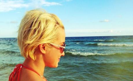 Kellie Pickler Bikini Photos Heat Up Twitter