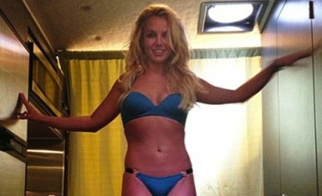 Britney Spears Lingerie Ads: Photoshopped to Flatten Stomach?