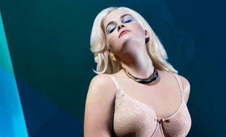 Whitney Thompson Photo