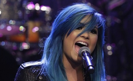 Demi Lovato Hairstyles: Through the Transformations