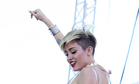 Miley Cyrus on Sin City Stage