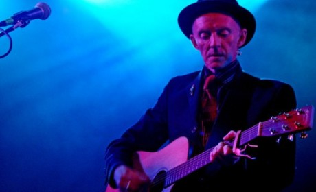 Phil Chevron Dies; Pogues Guitarist Was 56