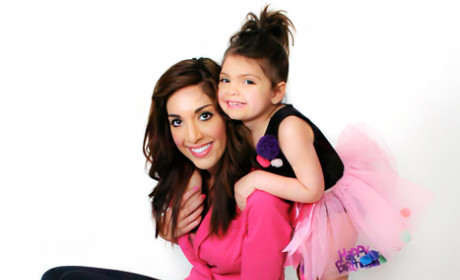 "Farrah Abraham Gets ""Mom"" Tattoo to Honor ... Herself"