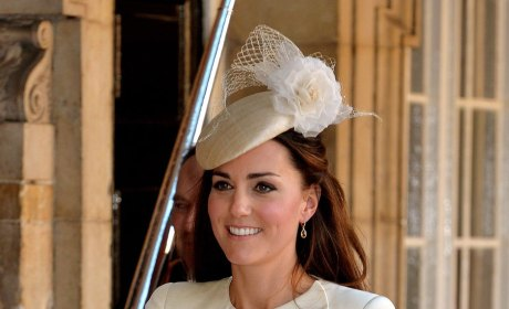 Kate Middleton Fashion: Christening Dress, Accessories Revealed!
