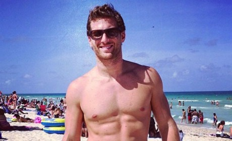 Juan Pablo Shirtless