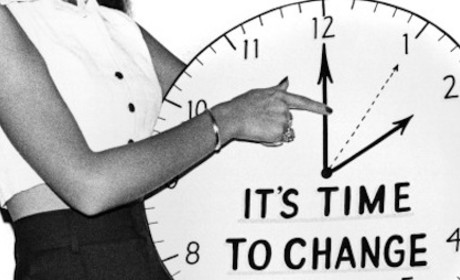What Time Is It? Daylight Saving Time Ends, Sends America Scrambling
