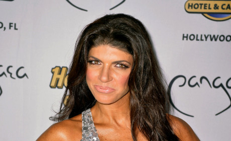 "Teresa Giudice Pisses Off Castmates at Reunion Show; Reality Star Still ""In Denial"" About Prison!"