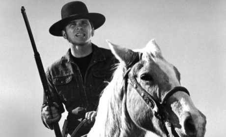 Tom Laughlin Dies; Billy Jack Actor Was 82
